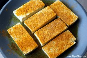 Vegan Breakfast Sandwich