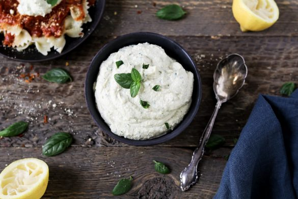 This Vegan Ricotta Cheese is super creamy, rich & tangy! It requires simple ingredients & 15 minutes of your time. Gluten-free & oil-free.