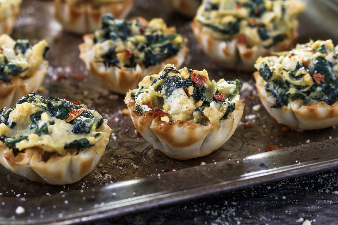 Vegan Spinach Artichoke Cups ~ a crowd favorite tucked inside a crispy and flaky shell.