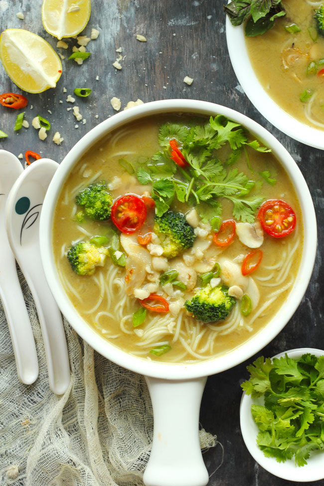 Easy Vegan Dinner Recipes - curry soup